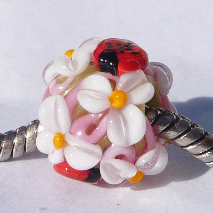 LH Ladybug Garden Swirl