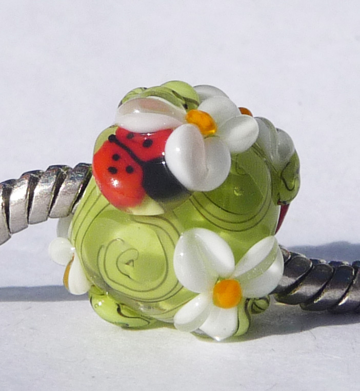 LH Ladybug Daisy Garden